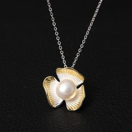 Wholesale Freshwater Pearl Necklace Designs - S925 silver design, double color Trifolium Flower Necklace, female short clavicle chain inlaid with freshwater pearl necklace