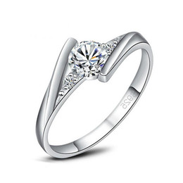 Wholesale sterling silver ring quartz - 925 Sterling Silver Rings New High Qulity White Gold Plated 1CT Swiss Diamond Rings For Women Luxury Wedding Jewelry Lovers' Couple rin