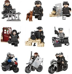Wholesale Army Toys - 9 style New military City Police SWAT Team Army Soldiers With Weapons WW2 Building Blocks Toys for children gift