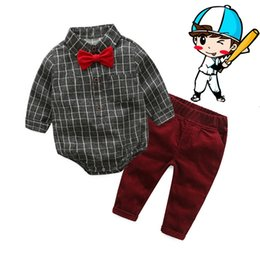 gentleman jeans Sconti Baby Boy Clothes Newborn Set di abbigliamento in cotone Broadcloth Gentleman Fashion Plaid Pagliaccetti + Jeans 2 pezzi / set Outfit Outfit Suit