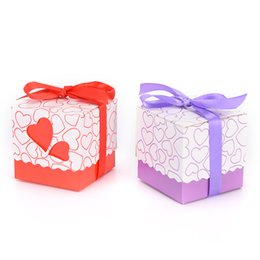 wedding party favour boxes UK - 100pcs Pink  Purple Yellow Blue Orange Red heart wedding laser candy box favor box wedding favour box for girls boys birthday