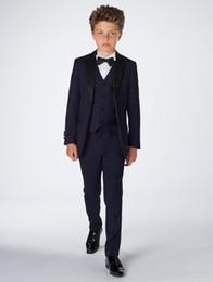 2019 komplette hochzeit Attraktive Junge Kleidung Smoking Komplette Designer Kerbe Revers Formale Kinder Kleidung Für Hochzeit Anzüge (jacke + Pants + Bogen + Weste + Shirt) günstig komplette hochzeit