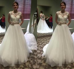 Wholesale Castle Princess Bride - 2018 Elegant Scoop Neck A-line Wedding Dresses Lace Zipper Back Appliques Plus Size Bridal Wedding Gowns Vestido De Novia Bride Dresses