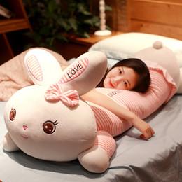 Coelho gigante brinquedo de pelúcia on-line-Kawaii macio coelho rosa brinquedo de pelúcia gigante dos desenhos animados boneca de pelúcia boneca brinquedos travesseiros de dormir para a menina decoração do presente 90 cm 115 cm 145 cm DY50428