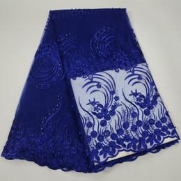 abalorios de boda nigerianos azul real Rebajas Royal Blue Net Material de encaje francés de alta calidad Tela de encaje francés neto de África con cuentas Nigerian Wedding Africa 30