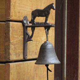 2019 ghisa lavorata a mano Retro Iron Horse Ghisa decorativa Handmade Bell Phone Campagna Garden Garden Farm Creative Home Crafts ghisa lavorata a mano economici