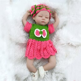 Wholesale Girls Fashion Clothing China - Kid Playmate Closed Eyes Reborn Baby Doll 45cm 17 inch Babies Kids Toys Girl Juguetes For Children Gift Photgraph with Clothes