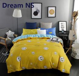 Mantas únicas online-AHSNME Cute Smile Blanket Covers Conjunto Bright Yellow Blue Funda nórdica King Queen Size Juego de cama Unique Pillowcase Bedsheets