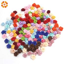 Fiori rossi rosa di tessuto online-100pcs / lotto mini handmade raso rosa rosette a nastro tessuto fiocco di fiori appliques per la decorazione di nozze artigianali accessori di cucito