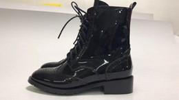 Canada Top de qualité supérieure en cuir véritable à bout rond noir Bottines à lacets pour femme Offre