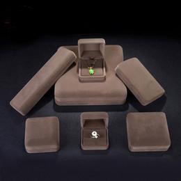 Caixa de pulseira de jade on-line-Luxo Caixa De Presente De Metal De Jóias De Veludo Embalagem Boa Qualidade Anel De Casamento Jade Pulseira Colar Brinco Titular Caixa De Exibição De Jóias