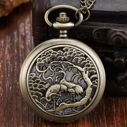 montre hommes Promotion Montre de poche gravée au laser pour hommes avec autruche 2 oiseaux découpant un étui à bascule Fob montres avec collier horloge pour la collection cadeau