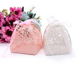 Wholesale Paper Bags Romantic Gift - wedding Candy Box Laser Cutting Lace Flowers Wedding Favors Gift Box Chocolate Bag Romantic Wedding Decor Party Supplies
