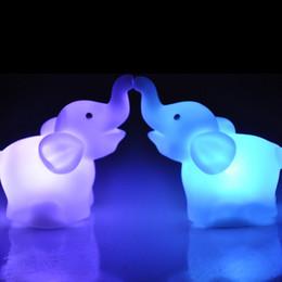 padrões de iluminação exterior Desconto Decoração de casa luz, nova moda bonito forma de elefante mudança de cor LED luz da noite lâmpada festa de casamento decoração