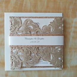 Wholesale elegant gold wedding invitations - Luxury Champagne Gold Glitter Wedding Invitations Elegant Laser Cut Dinner Party Invites with Glitter Band+Envelope 50pcs