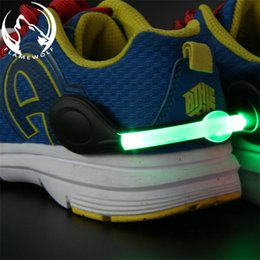 Wholesale flash families - Cycling Sports LED Shoes Clip Light Wrist Outdoor Night Safety Signal Plastic LED Lights Flash Luminous Waterproof Decoration New 5 5yl Z