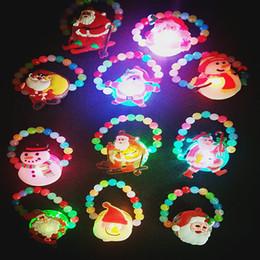 2019 kinder perlen armbänder Weihnachten Armband Glowing Perle Weihnachtsmann Schneemänner Kunststoff Hand Kette LED-Licht-Up Armband Kinder Kinder Party Favor Schmuck GGA1355 rabatt kinder perlen armbänder