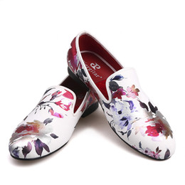Wholesale dress handmade china - 2018 new style Handmade white color print gold flower China style men loafers wedding and party men shoes Fashion men's flats