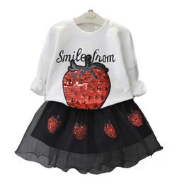 Vestiti di fragola da bambini online-Neonate Strawberry abiti per bambini paillettes top + Tulle gonne 2 pz / set 2018 Boutique abiti per bambini Set di abbigliamento C4396