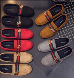 Zapatos ligeros de malla para hombre online-Venta caliente Nueva Malla Transpirable Ligera De Zapatos Casuales Para Hombre Zapatos Casuales para Adultos Zapatos de los hombres Descuentos promocionales