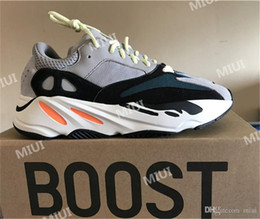 2018 Casual 700 Kanye West Boost Wave Runner Grey Espadrilles Designer Shoes Mens Women Solid Grey Chalk White Core Black Casual Sneakers cheap limited edition 9B3h62atiU