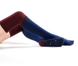 2019 roter königinkragen Frauen Gestrickte fünf Zehe-Anti-Rutsch-Socken Knee High Trumpf Häkeln für den Tanz Grau Schwarz Navy