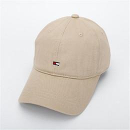 Nuovi cappelli esterni di marchio di modo di Snapback calza i cappelli di  Hiphop del progettista della casquetta della Corea di sport della  protezione di ... eea79bcd2211