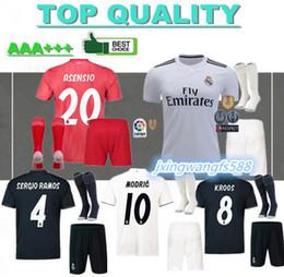40013cbaf28bd kits de fútbol hombres Rebajas 18 19 camisetas de fútbol del Real Madrid  series para adultos