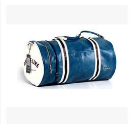 Wholesale Mens Outdoor Bags - brand fred men messenger duffel bag men travel bags leather casual men handbag outdoor vintage mens shoulder bag perry Style Fitness bag