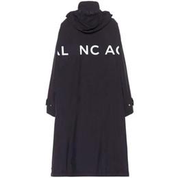 Черные пальто онлайн-18SS B1cj письмо логотип длинные пальто ретро улица удобные свободные мужчины и женщины любитель черный ветрозащитный куртка пальто HFSSJK040