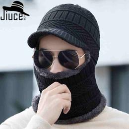 Wholesale Hombres de sombrero de punto montados en el cuello del sombrero de invierno un cuerpo orejas calientes sombrero de lana de doble capa sudadera con capucha