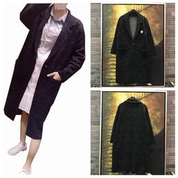 Traje gris medio online-2018 Hepburn estilo de la capa de lana de punto suéter capa de traje gris jacquard mixta de sésamo negro hembra longitud media
