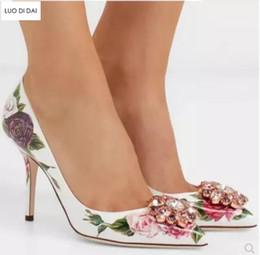 Fleur talons chaussures vintage en Ligne-2018 Nouvelle arrivée femmes pompes à diamant parti chaussures glitter cristal pompes point toe fleur talons hauts vintage robe robe de mariage