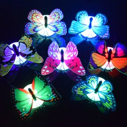 Lampadaires colorés en Ligne-Papillon LED Night Light Lampe Coloré Papillon Lumineux Maison Décoration De Mariage Lumières Lampe Avec Autocollant led Mur Décor KKA4395