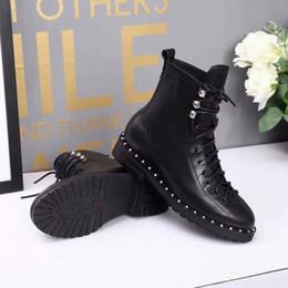 Nouvelle arrivée moto mode bottes rivet hiver femmes martin cheville chevalier bottes en cuir de vache noir chaussures taille 35-41 ? partir de fabricateur
