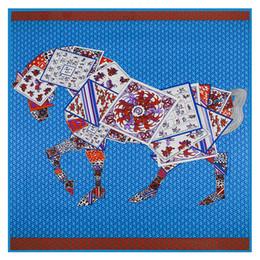 bufandas de seda parís Rebajas Cuadrado de lujo de las mujeres cuadradas de la impresión del caballo de las mujeres de París Chaleco de seda del diseño H de París Feather Echarpe En azul grande del chal de la tela cruzada de Soie