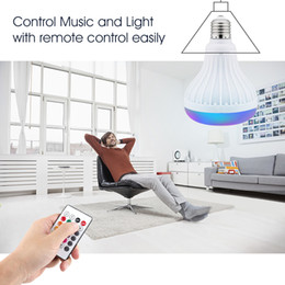 bombilla inteligente bluetooth Rebajas Lámpara LED Bluetooth Altavoz inalámbrico + 12W RGB Bombilla 110V 220V Smart Led Light Music Player Audio con altavoz de control remoto Enlace minorista
