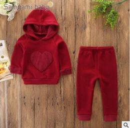 ba6a7ec2c Casual Newborn Baby Fleece Hoodies Tops Pantalones Set 2019 Primavera Otoño  2 piezas Trajes Infant Toddler Peach Heart Sudadera con capucha Ropa 0-3Y
