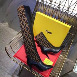 Medias de punto online-2018 diseñador de moda mujer tejer calcetines botas de tacón alto puntiagudo de 9.5 CM marca F para mujer del muslo hasta la rodilla botas transpirables botas elásticas