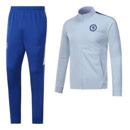 18-19 blanco chese fútbol chándal rojo kit de fútbol de los hombres kit de  fútbol traje de fútbol envío gratis venta caliente ropa deportiva deporte  tamaño ... 3feb4b9150323