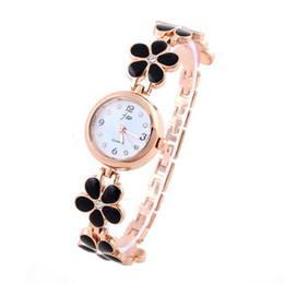 Braccialetto semplice della mano dell'oro online-Jw donne orologi al quarzo bracciale in acciaio inox lega semplice orologio in oro rosa orologio da polso da donna a mano casuale