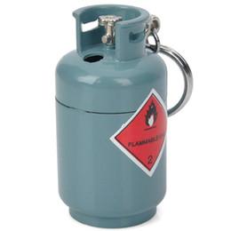 2020 eisen tanks Kreatives Gas-Behälter-Art-Butan-Gas-Feuerzeug-Grau-Blau-Eisen-Gelb-Flamme mit Schlüsselkette 4pcs / lot günstig eisen tanks