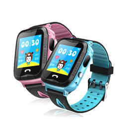 Слежение за детьми онлайн-V6G Kids Smart Watch Ip67 водонепроницаемый GPS трекер SOS вызова камеры слежения сигнализации мобильного позиционирования смарт-часы для ребенка