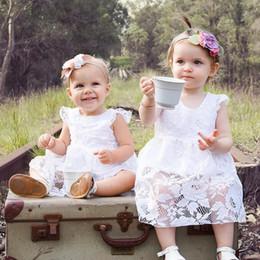 2019 niños de la moda de los mamelucos 2018 New Baby Girls Romper INS Summer Girl Fashion Fly Sleeve Lace Flower Princess Dress Mamelucos Kids Party Dress niños de la moda de los mamelucos baratos
