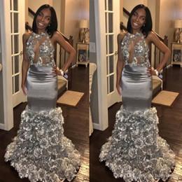 Robes de bal modernes filles noires sirène robes de soirée sexy dos nu volants fleurs longue robe de tapis rouge argent gris ? partir de fabricateur