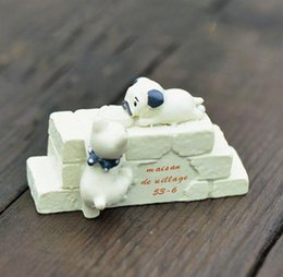 Fee mini zauberstab online-1Pc mini nette Crawl Katze Wand Harz DIY Fertigkeit Micro Landschaft Miniatur-Fee-Garten-Dekor-Terrarium Figuren Moss Bonsai Dekors