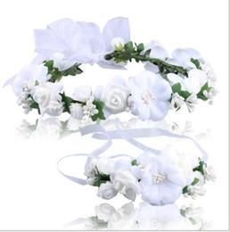 Corona de flores blancas online-9 colores Mujeres Blancas Flor de Seda Princesa Corona Cabeza Guirnalda de la muñeca Conjunto Señora Flores de Espuma Artificial Boda Corona Nupcial Pulsera Conjunto