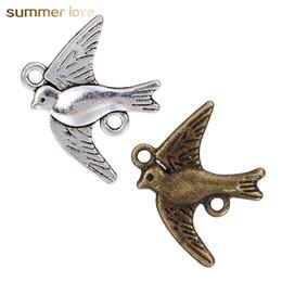 incanta fascini Sconti Risultati dei monili di DIY Piccola rondine Charm bronzo argento colore lega carino uccello amuleti braccialetto fatto a mano ragazze accessori per bambini fare moda