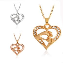2019 silberne halskette diamante Mode Silber vergoldet große Hände halten kleine Hände Liebe Herz Diamante Kristall Halskette für Frauen günstig silberne halskette diamante