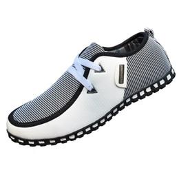 Мужчины Повседневная обувь новое прибытие свет квартиры обувь кожаные мокасины скольжения на мужские квартиры обувь для вождения тренеры Zapatos Hombre MC008 от